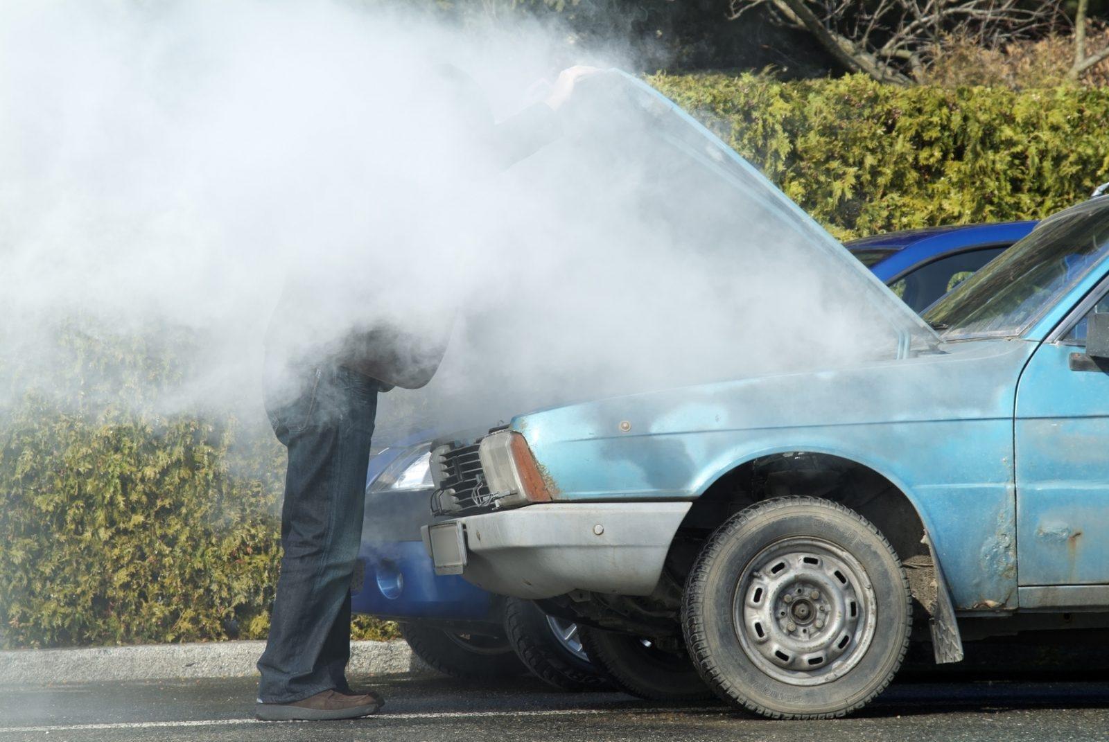 Động cơ quá nóng có thể gây cháy nổ.
