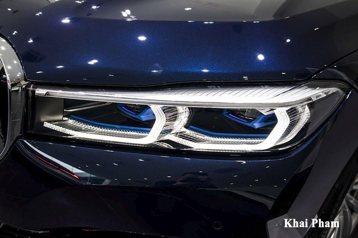 Ảnh đèn pha phải xe BMW 730Li Pure Excellence 2020