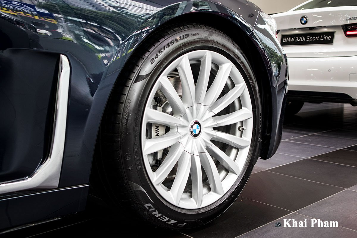 Ảnh la-zăng xe BMW 730Li Pure Excellence 2020