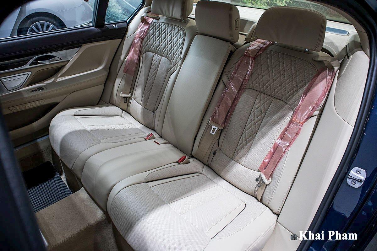 Ảnh ghế sau xe BMW 730Li Pure Excellence 2020