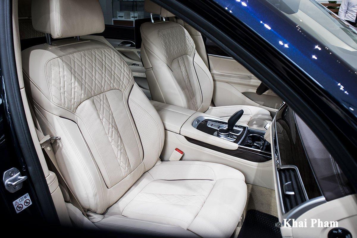 Ảnh ghế phụ xe BMW 730Li Pure Excellence 2020
