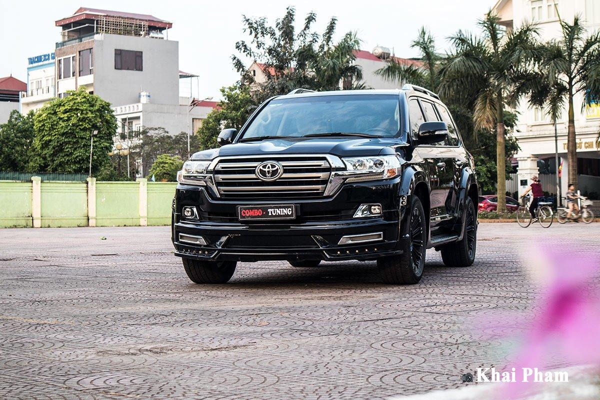 """Toyota Land Cruiser 2016 """"biến hình"""" dưới bàn tay thợ độ Việt, khoang lái là mơ ước của nhiều người a3"""