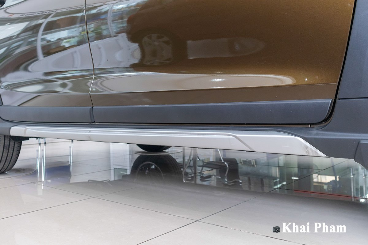 Ảnh cản thân xe Suzuki XL7 2020
