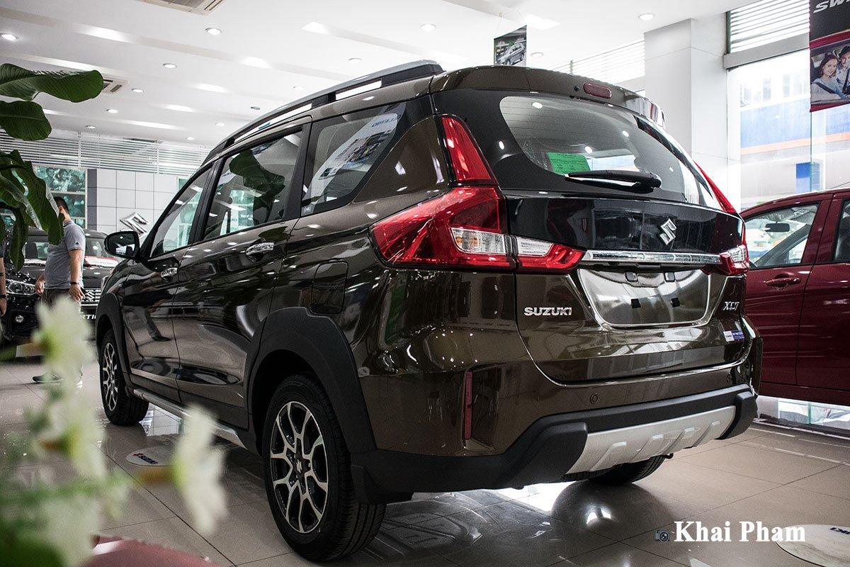Ảnh đuôi thấp xe Suzuki XL7 2020