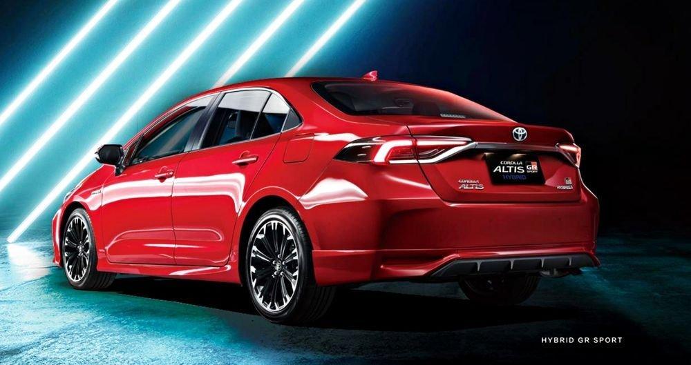 Toyota Corolla Altis GR Sport tỏa chất năng động.