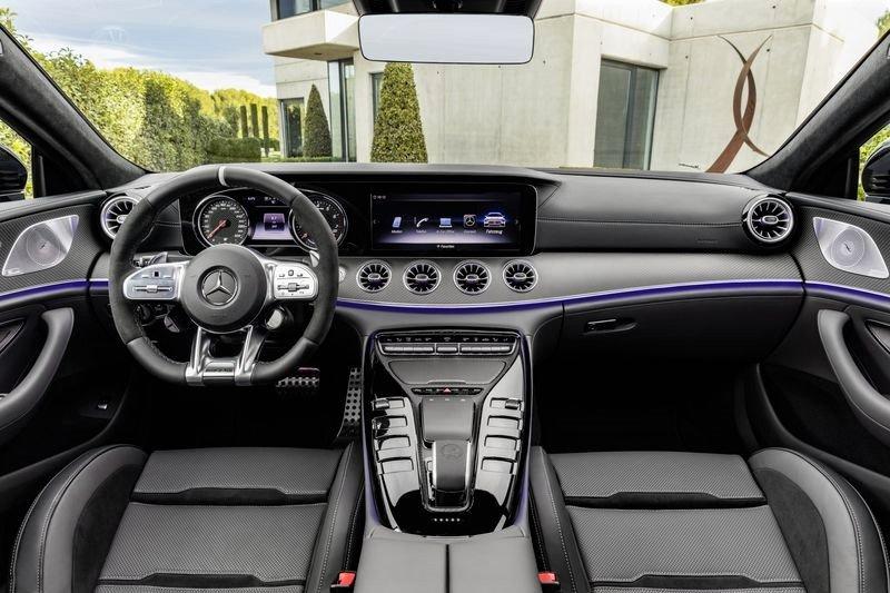 Không gian nội thất Mercedes-AMG GT 53 4MATIC+ 4 cửa Coupe mới ra mắt Việt Nam 1