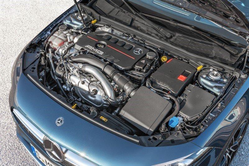 Động cơ Mercedes-AMG A 35 4MATIC sedan tại Việt Nam 1