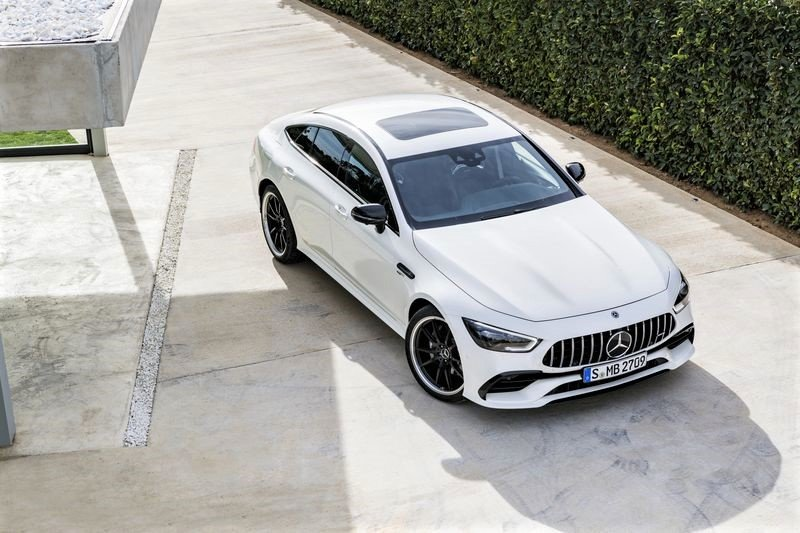 Mercedes-AMG GT 53 4MATIC+ 4 cửa Coupe mới ra mắt Việt Nam 1
