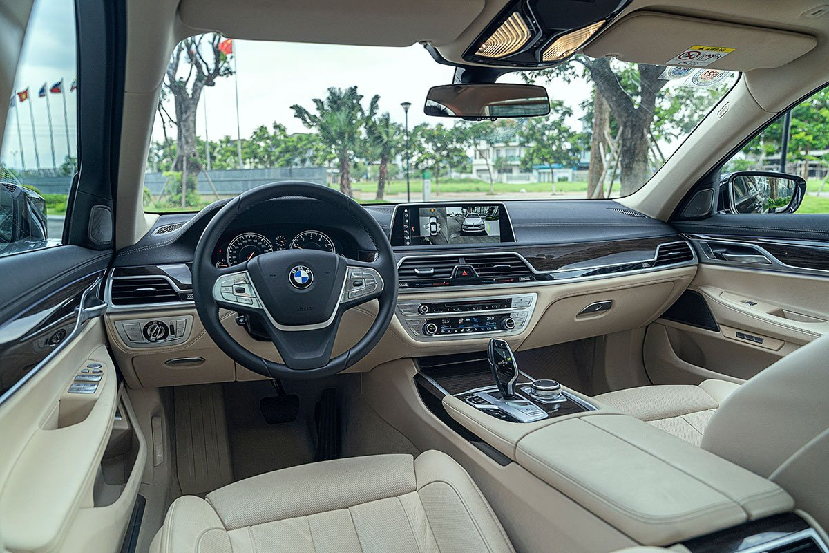 Nội thất của BMW 7-Series 2019 không có nhiều điểm nhấn mới như ngoại thất a1