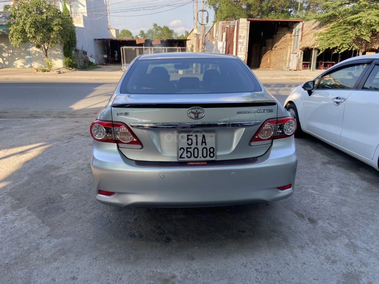 Bán ô tô Toyota Corolla Altis đời 2011, màu bạc, còn mới giá tốt (3)