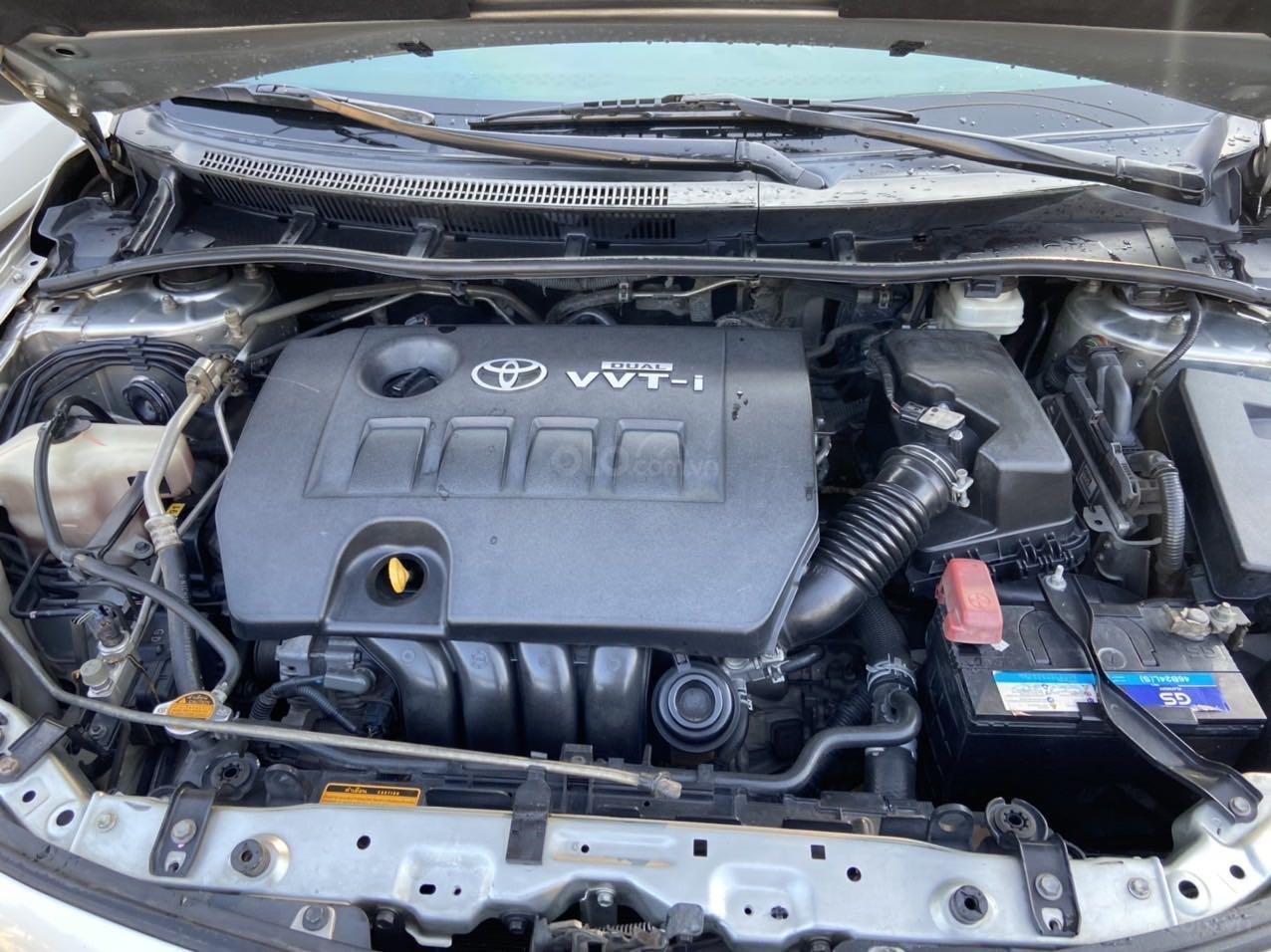 Bán ô tô Toyota Corolla Altis đời 2011, màu bạc, còn mới giá tốt (8)