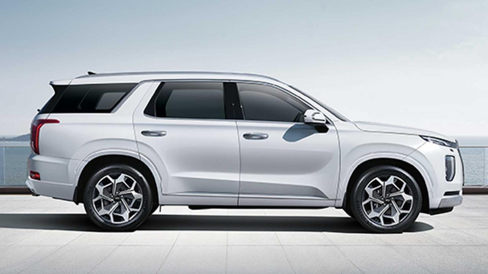 Hyundai Palisade cao cấp hơn, giá cũng khác hơn.