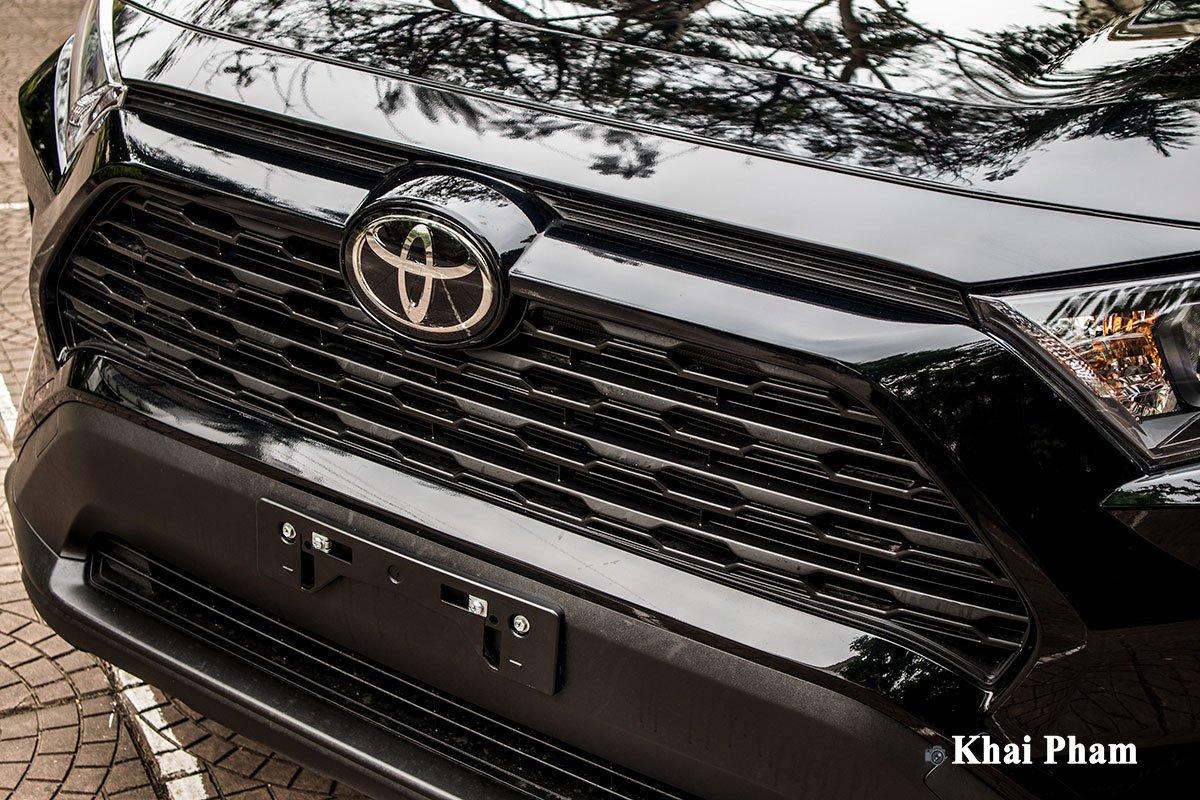 Ảnh lưới tản nhiệt xe Toyota RAV4 2020