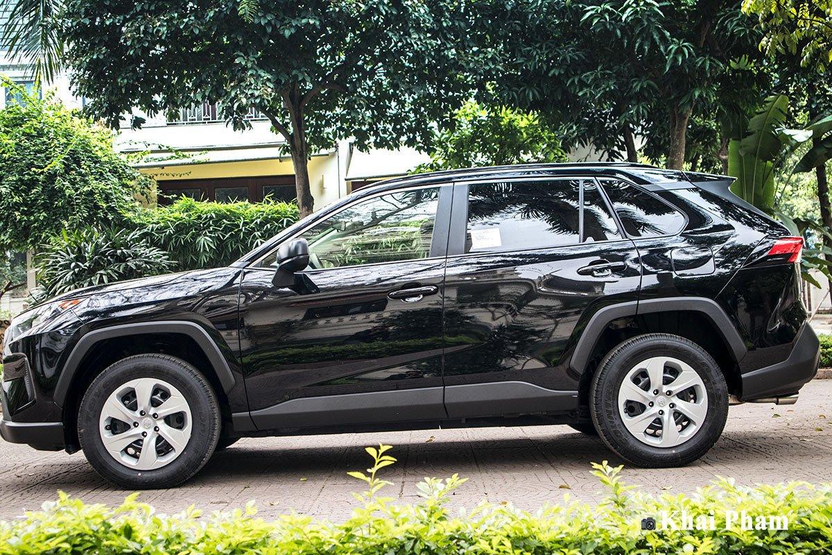 Ảnh thân xe Toyota RAV4 2020