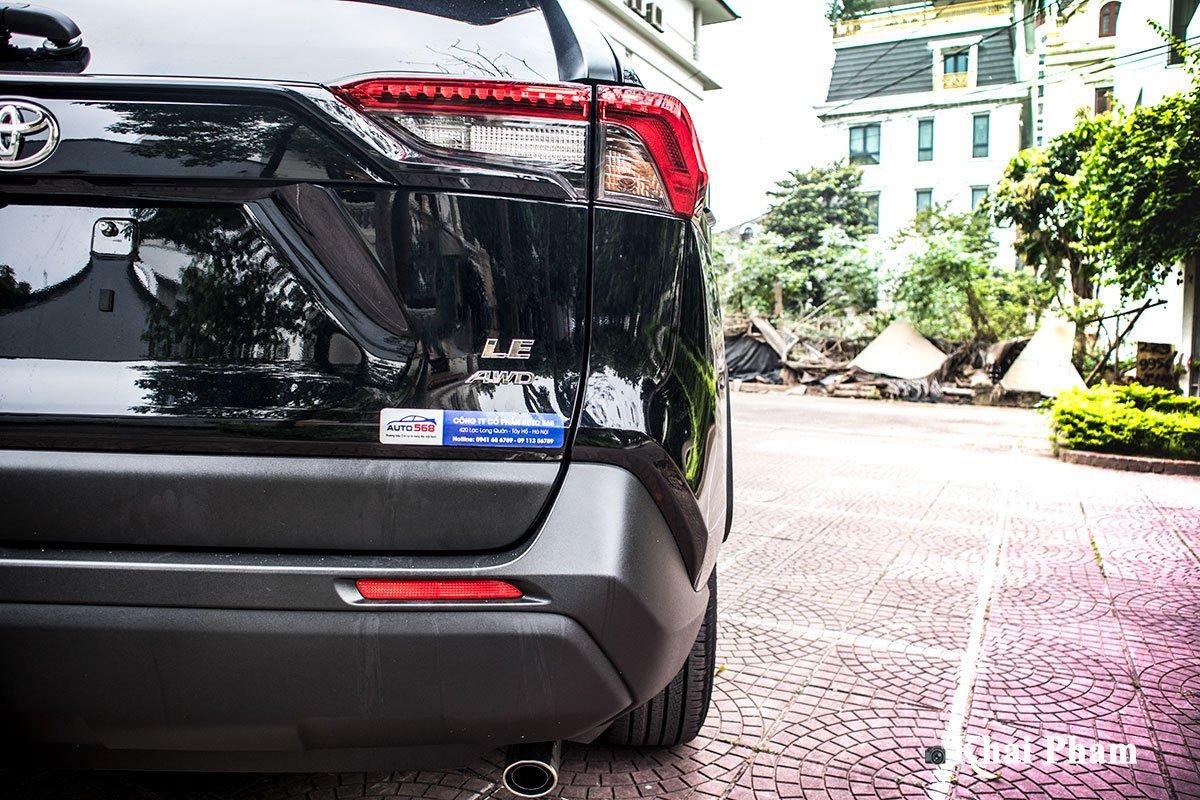 Ảnh đèn hậu phải xe Toyota RAV4 2020