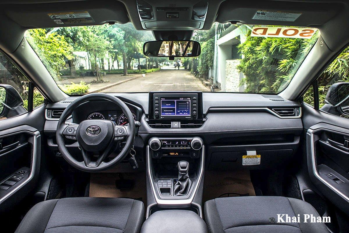 Ảnh khoang lái xe Toyota RAV4 2020