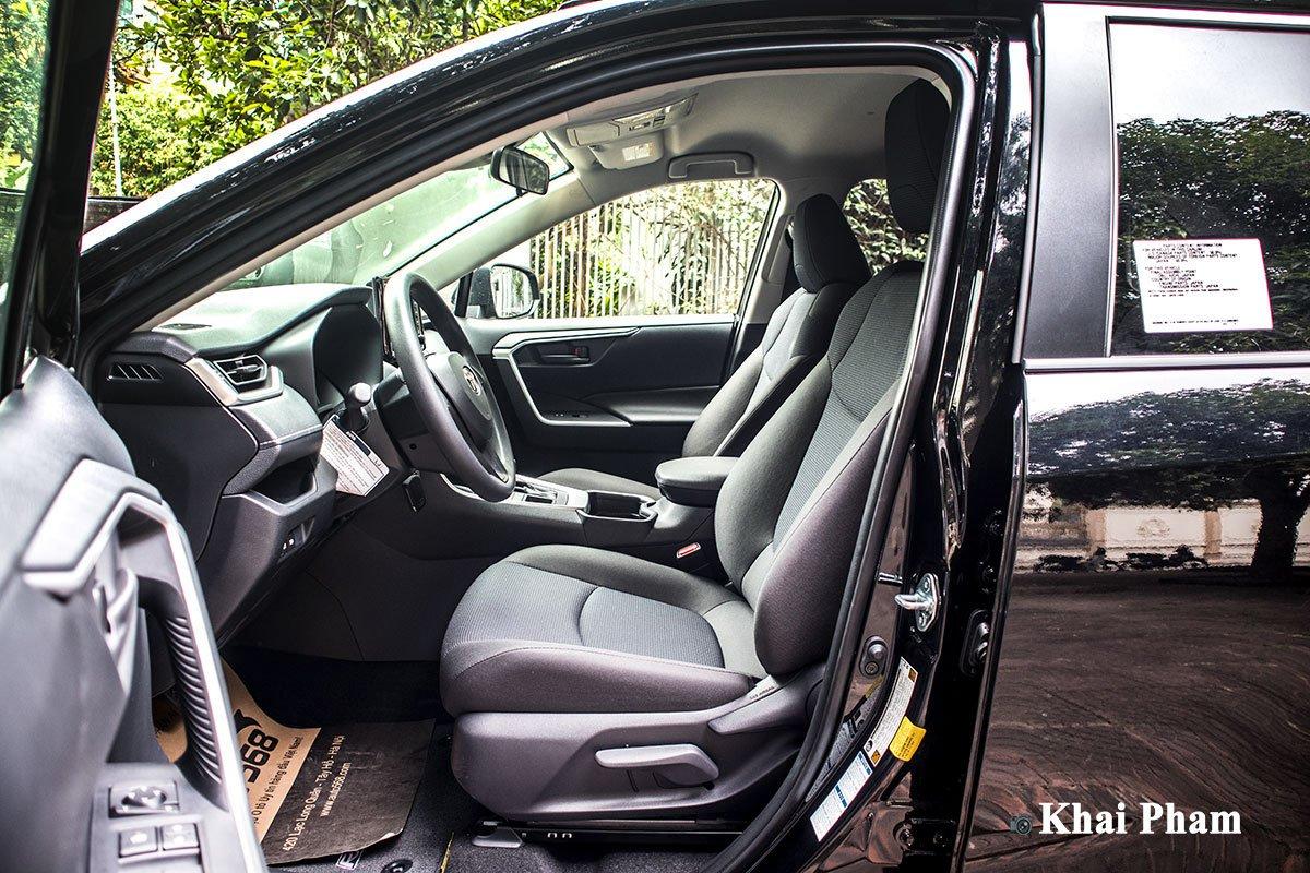 Ảnh Ghế lái xe Toyota RAV4 2020
