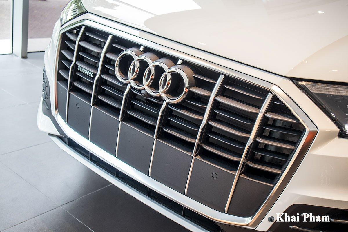 Ảnh lưới tản nhiệt xe Audi Q7 2020