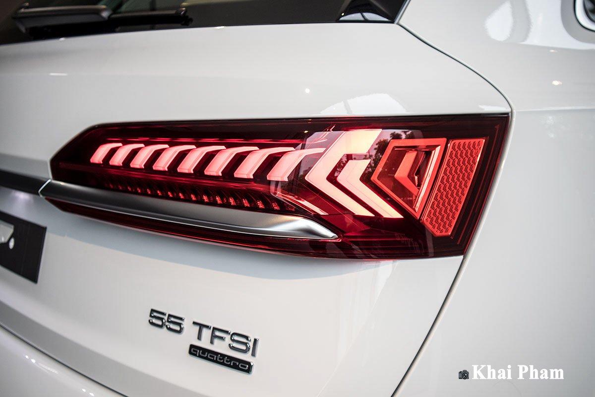 Ảnh đèn hậu phải xe Audi Q7 2020 phải