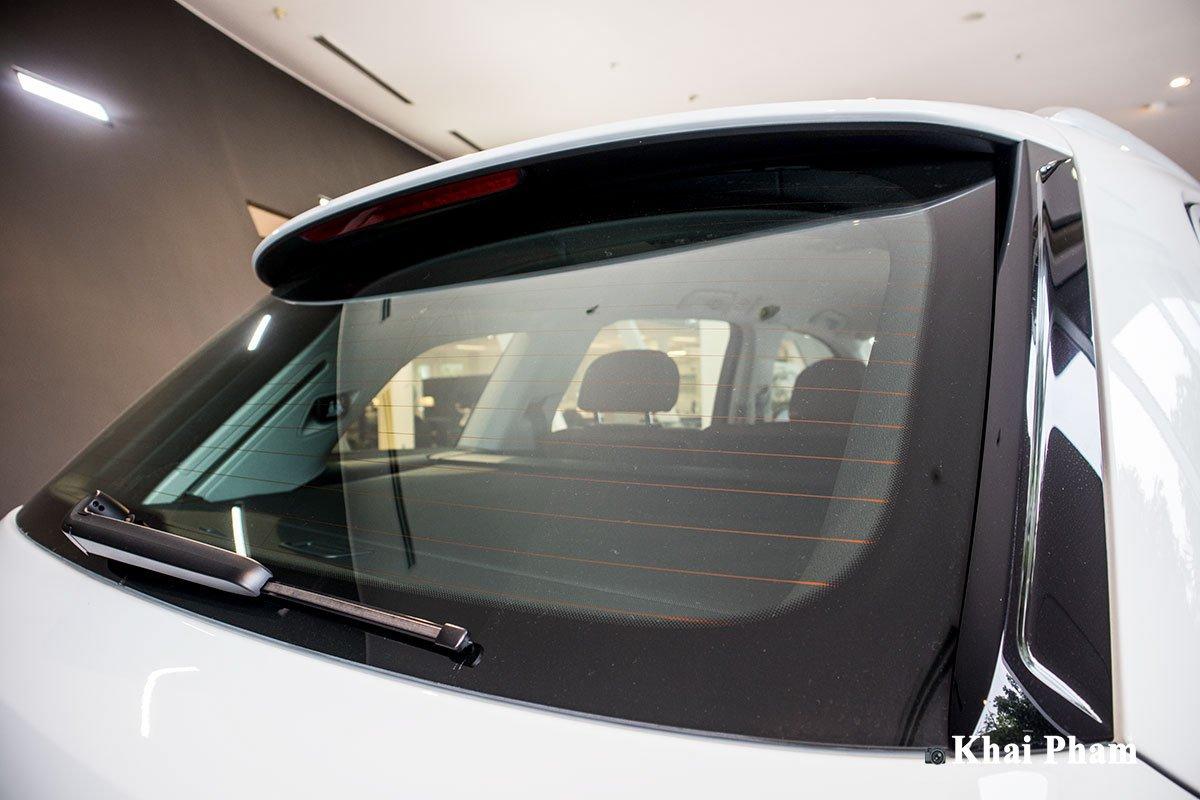 Ảnh kính cửa xe Audi Q7 2020 phải