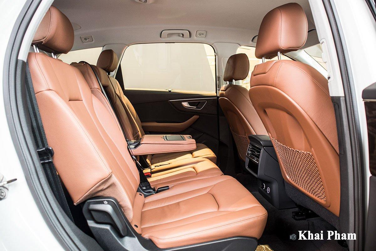 Ảnh ghế sau xe Audi Q7 2020 1
