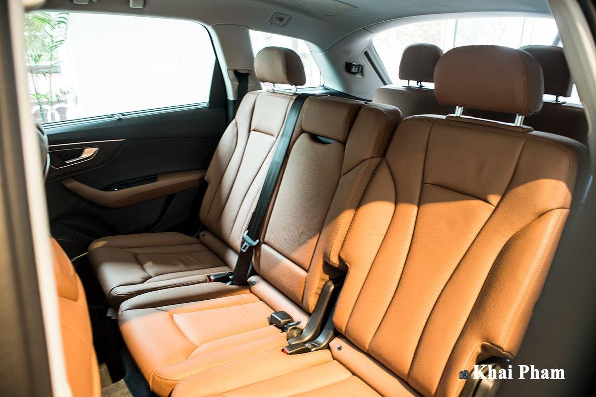 Ảnh ghế sau xe Audi Q7 2020