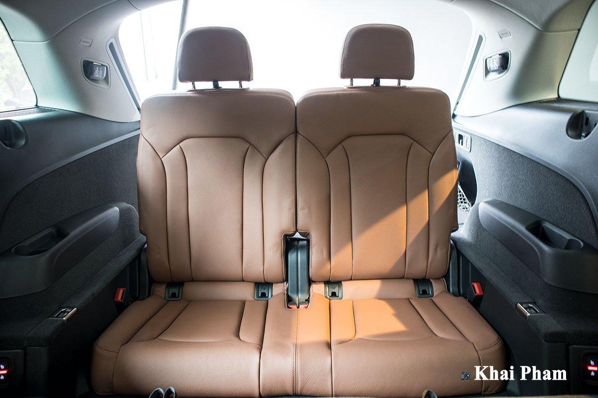 Ảnh ghế sau cùng xe Audi Q7 2020 1