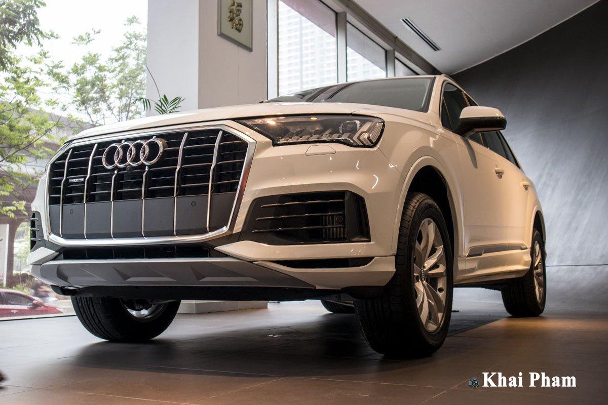 Ảnh đầu xe Audi Q7 2020 DƯỚI THẤP