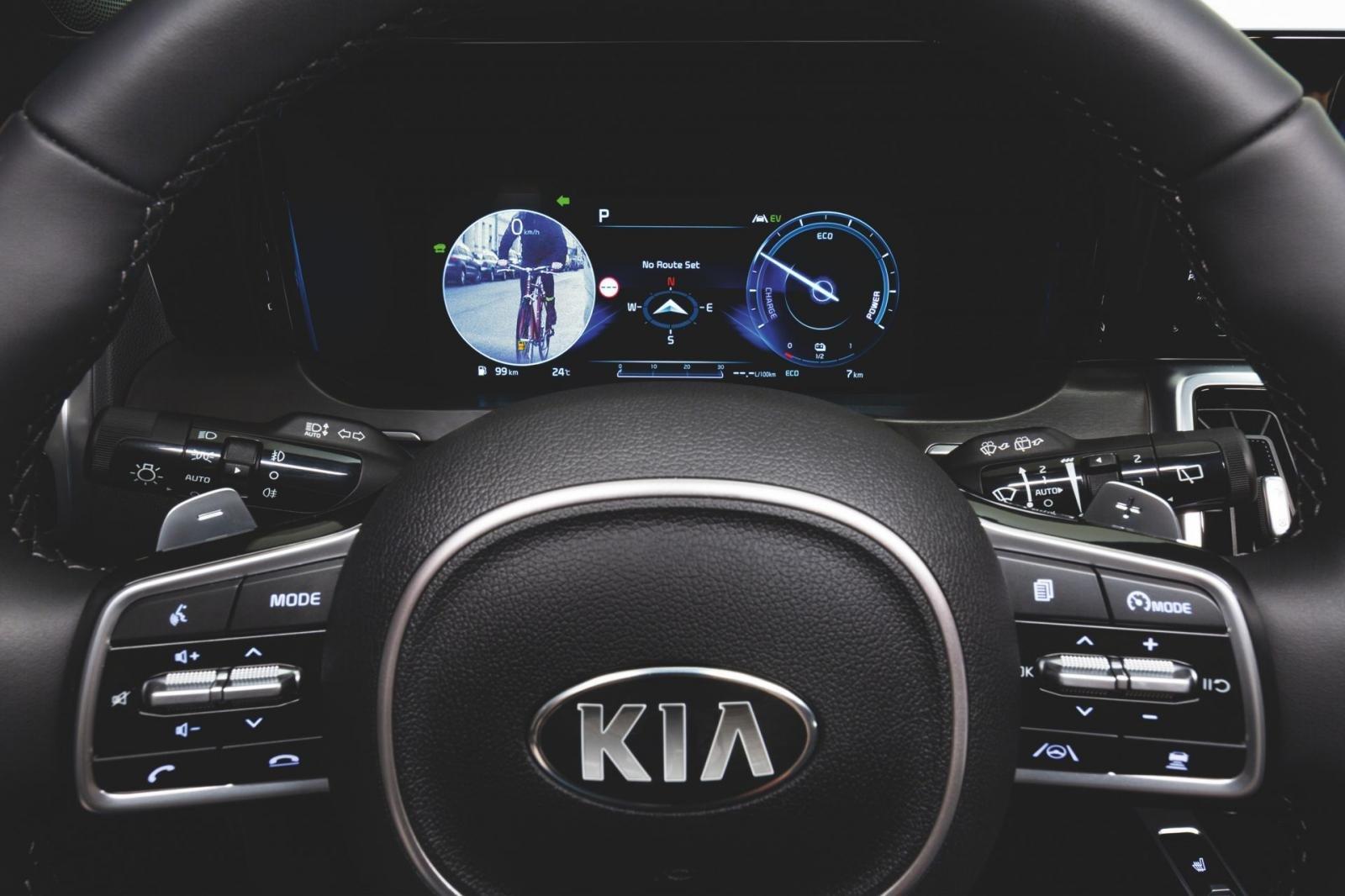 Công nghệ giám sát điểm mù Kia Sorento 2021 hiện thị tiện lợi.