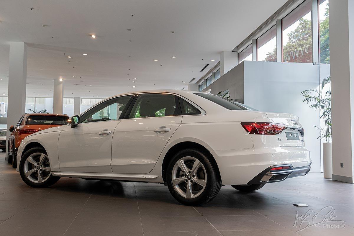 Audi A4 2020 có 2 phiên bản Advanced và S Line.