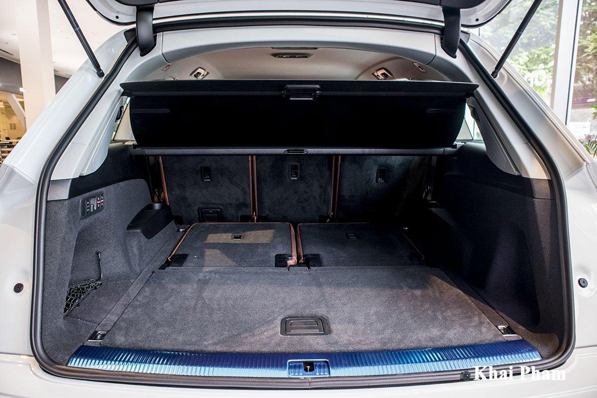 Ảnh Khoang đồ xe Audi Q7 2020 a1