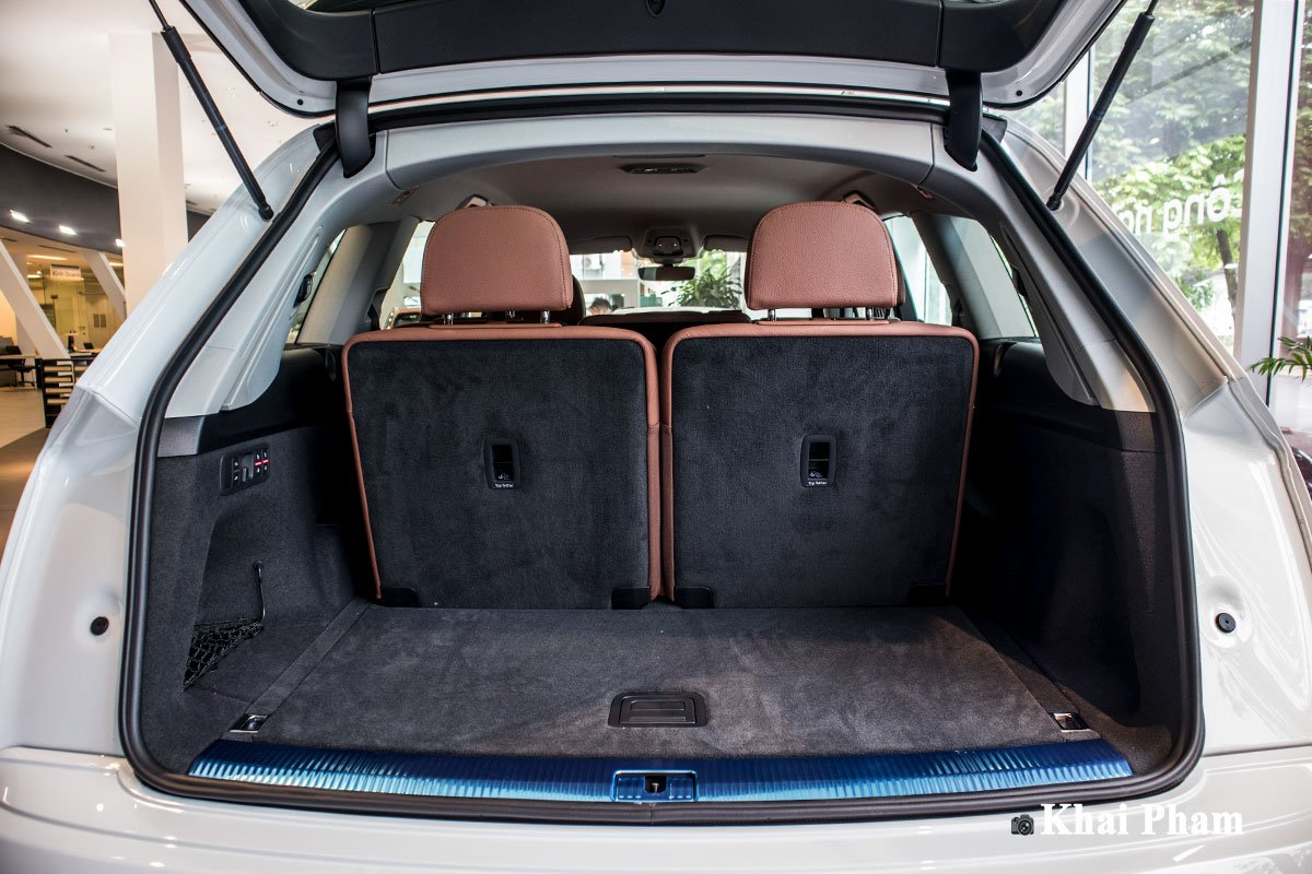 Ảnh Khoáng hành lý xe Audi Q7 2020
