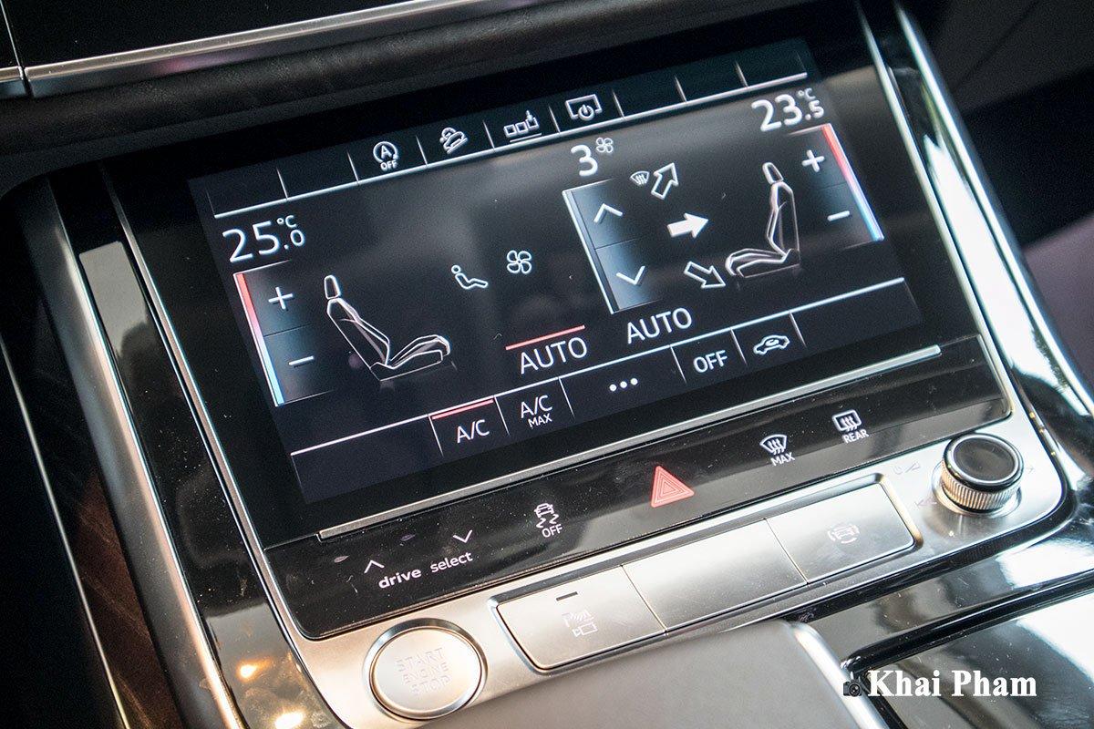 Ảnh màn hình điều hoà xe Audi Q7 2020