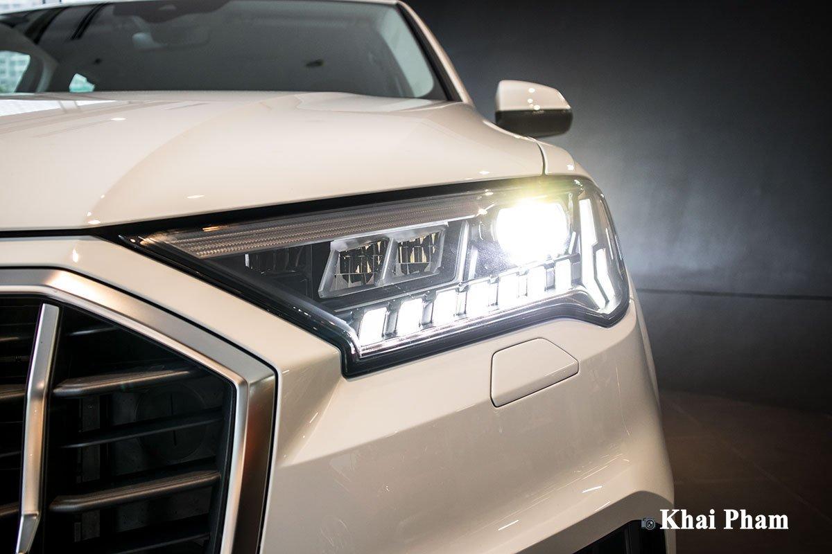 Ảnh Đèn pha sáng xe Audi Q7 2020