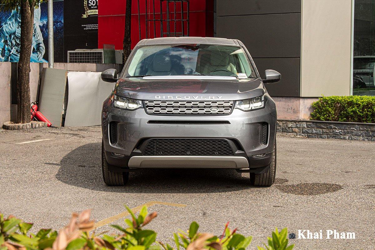 Ảnh chụp đầu xe Land Rover Discovery Sport 2020
