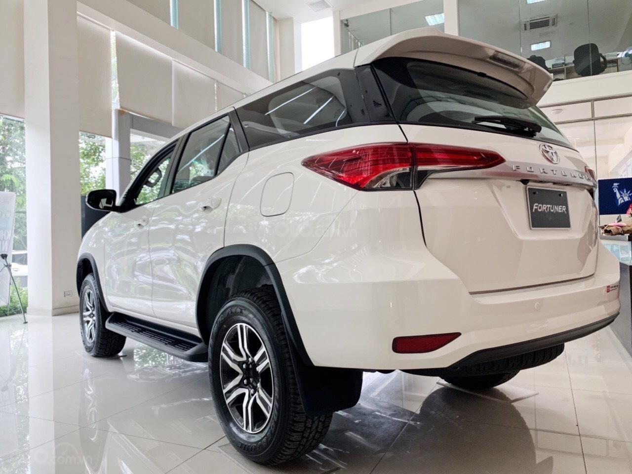 Toyota Fortuner 2020 - Ưu đãi khủng tháng 5 - Giá tốt (4)