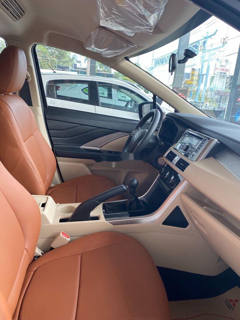 Bán xe Mitsubishi Xpander 2020, màu đen, xe nhập (4)