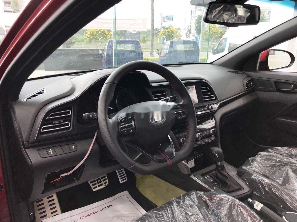 Bán Hyundai Elantra năm 2020, màu đỏ, giá tốt (3)