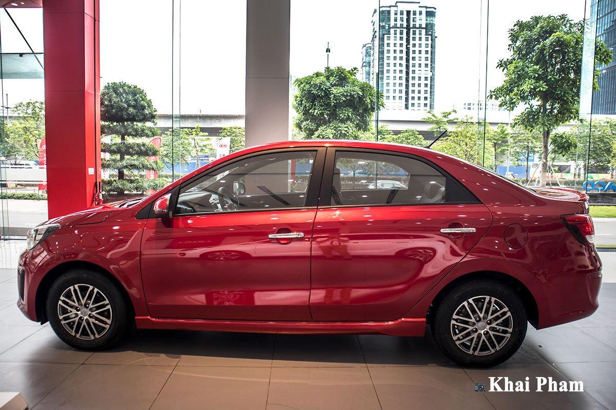 Ảnh chính diện thân xe Kia Soluto AT Luxury 2020