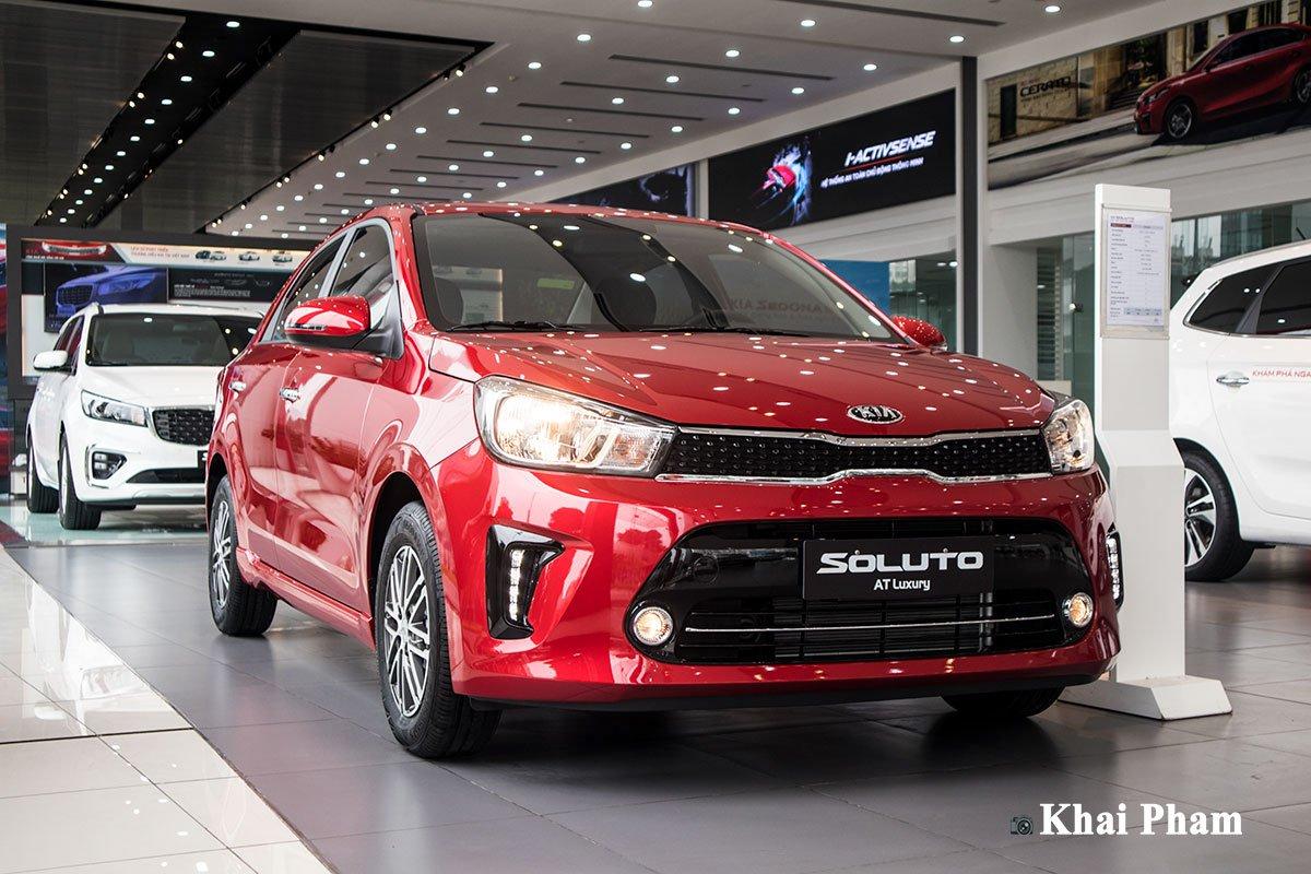 Ảnh đầu xe Kia Soluto AT Luxury 2020 bên trái