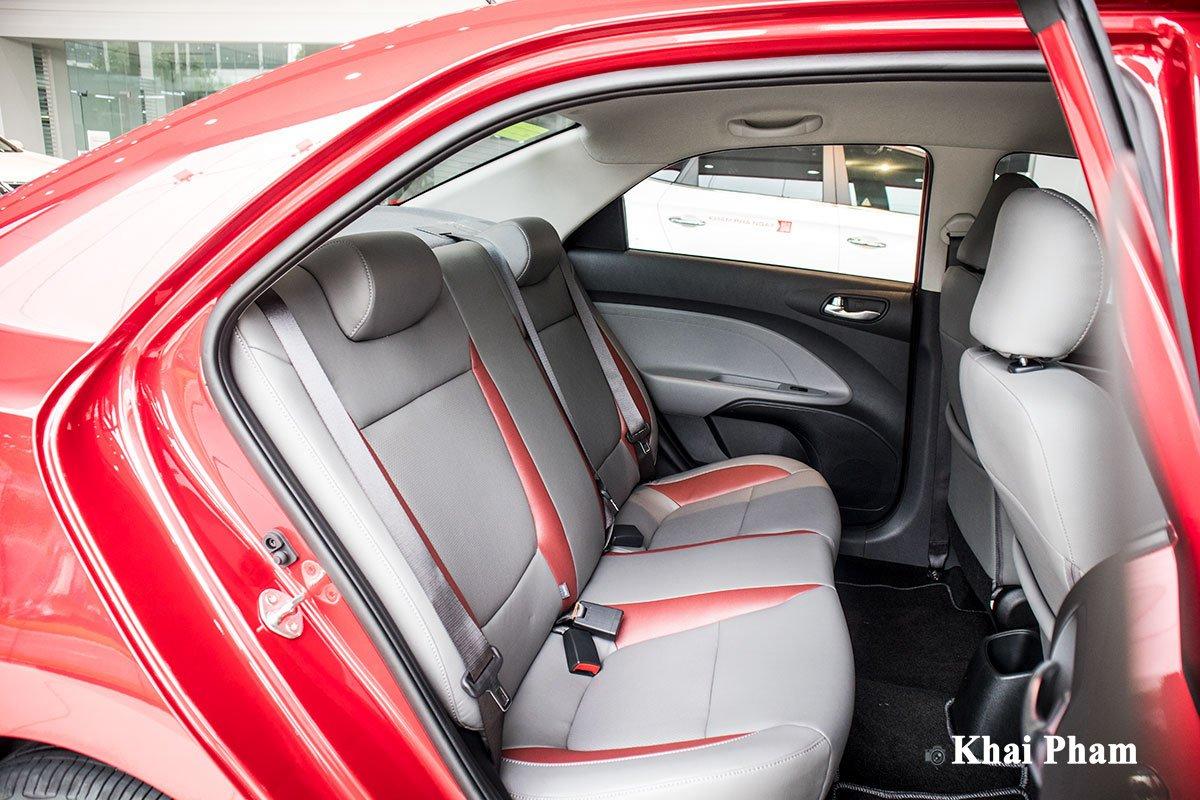 Ảnh ghế phụ sau xe Kia Soluto AT Luxury 2020