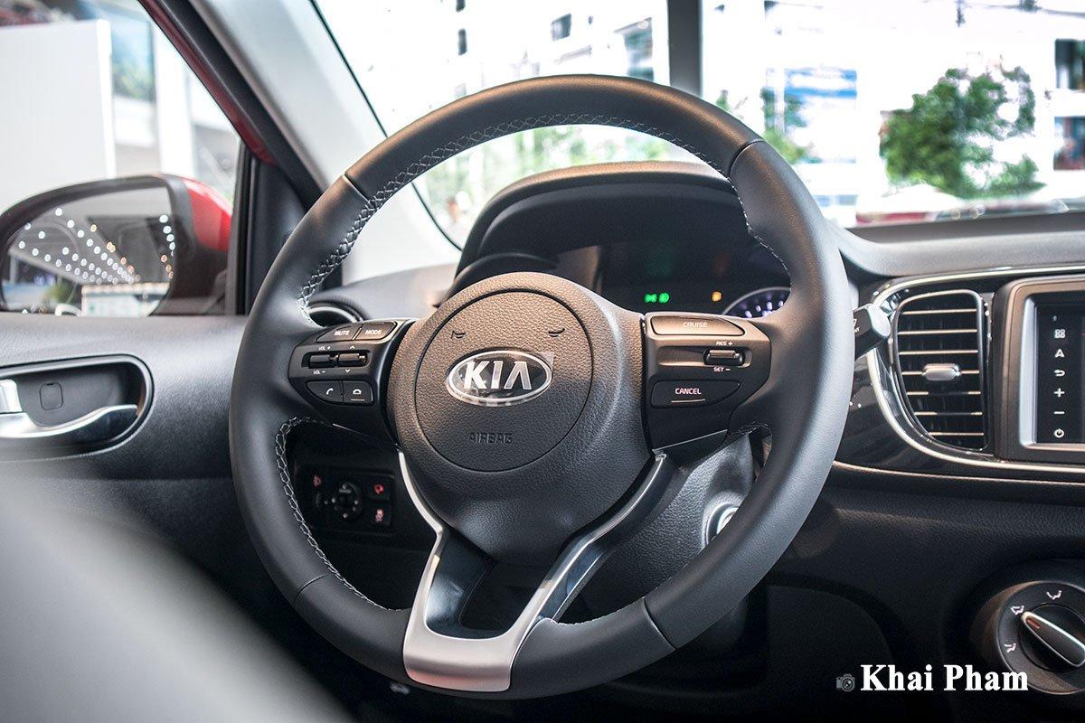 Ảnh vô-lăng xe Kia Soluto AT Luxury 2020