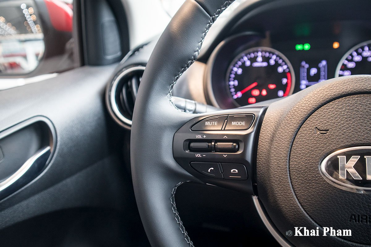 Ảnh nút bấm xe Kia Soluto AT Luxury 2020