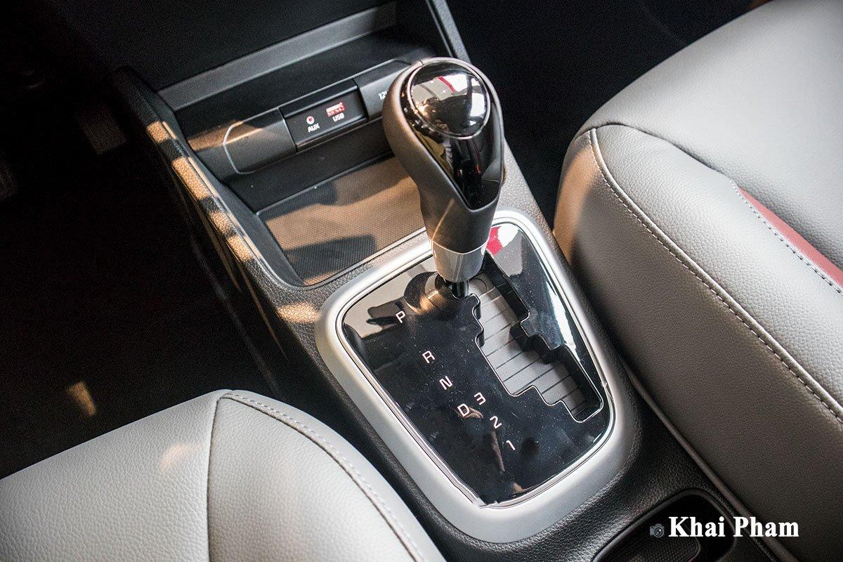 Ảnh cần số xe Kia Soluto AT Luxury 2020