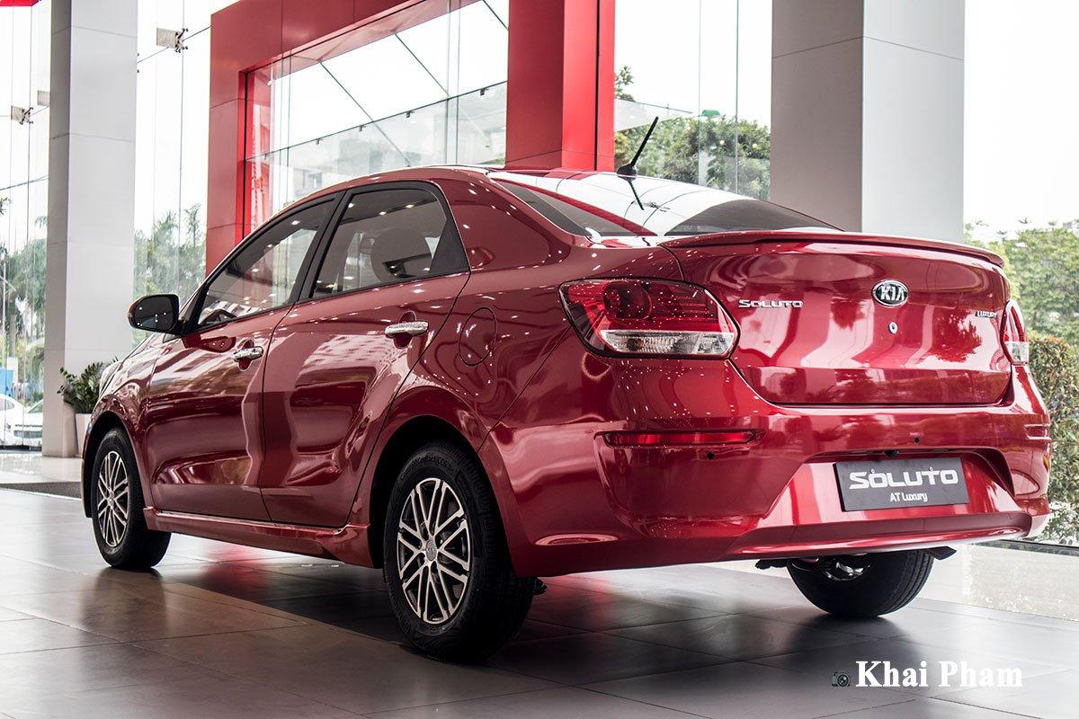 Ảnh sau phải xe Kia Soluto AT Luxury 2020 1