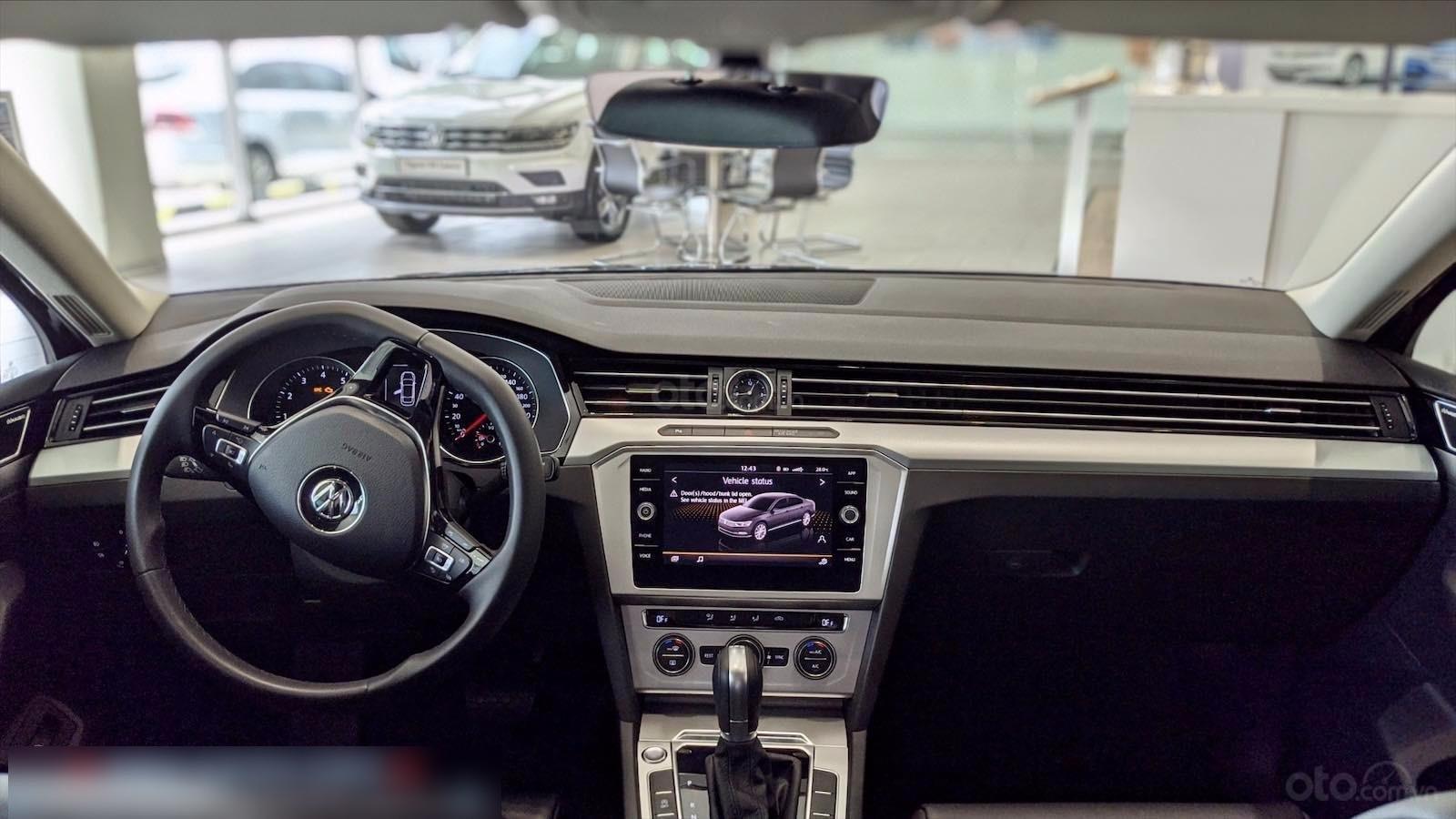 Còn 1 chiếc Passat Bluemotion 2020 màu đen duy nhất - mua xe nhập giá bất ngờ - liên hệ Mr Hùng Lâm VW Sài Gòn (3)
