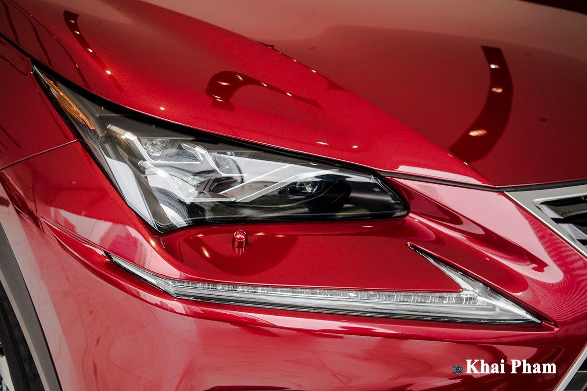 Ảnh đèn pha xe Lexus NX 300 2020