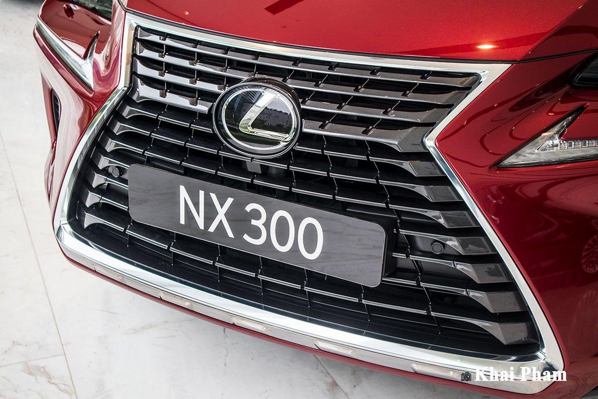 Ảnh lưới tản nhiệt xe Lexus NX 300 2020