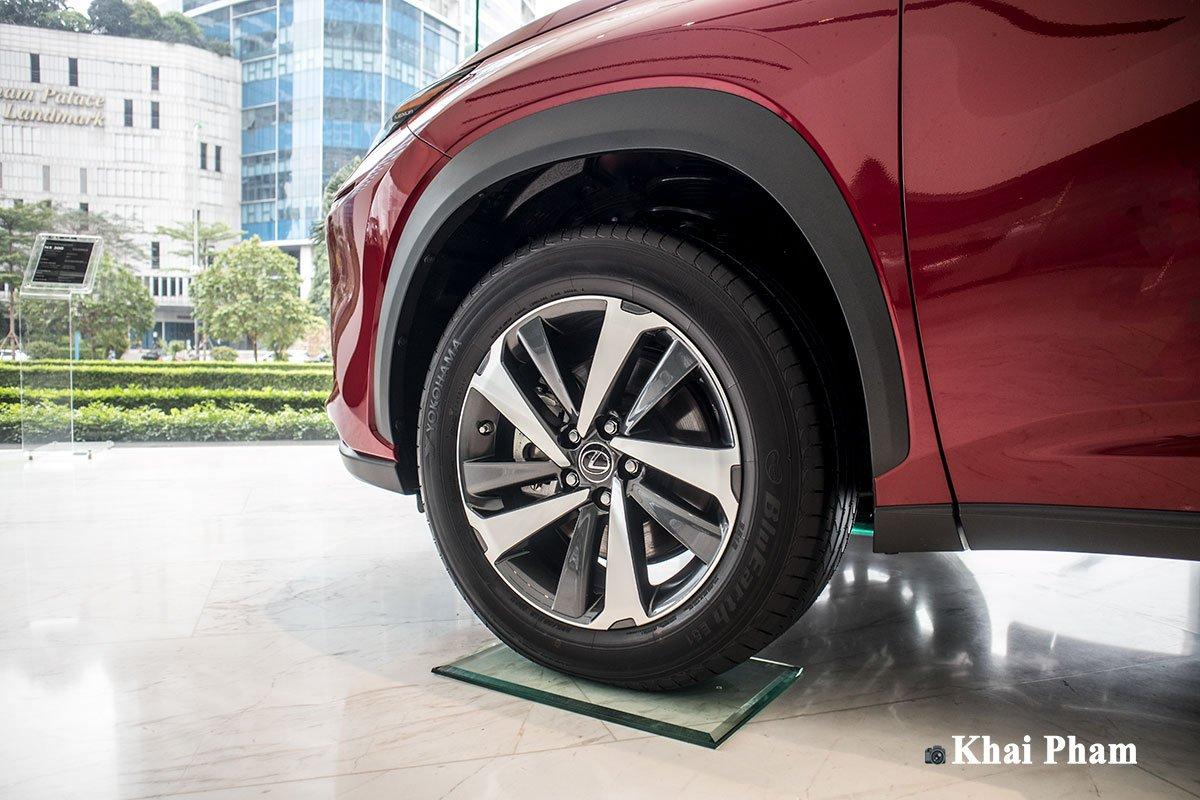Ảnh la-zang xe Lexus NX 300 2020