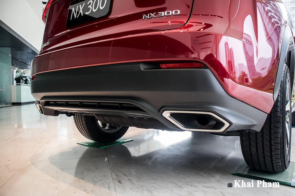 Ảnh cản sau xe Lexus NX 300 2020